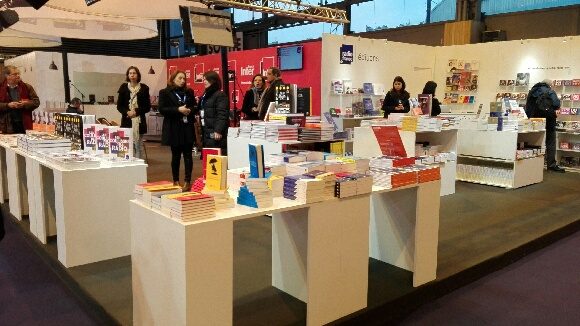 Stand des Editions Radio France au Salon Livre Paris